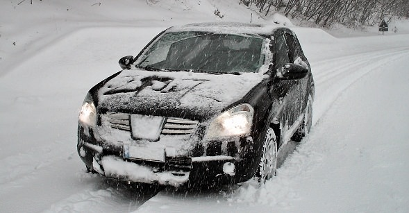 rouler sous la neige en toute s curit le monde de l 39 automobile alpha. Black Bedroom Furniture Sets. Home Design Ideas