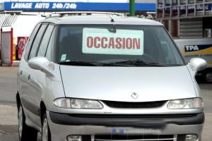 ©PHOTOPQR/LE REPUBLICAIN LORRAIN/PELAEZ Julio - Le 07/02/2009  Les ventes de voitures d ' occasion ont recule de 15,90 % en janvier apres 6,90 % en decembre 2008 et 15,50 % en novembre 2008 . Cette baisse s'explique par la mise en place du bonus malus ecologique , de la prime a la casse et aux promotions des concesionnaires ILLUSTRATION