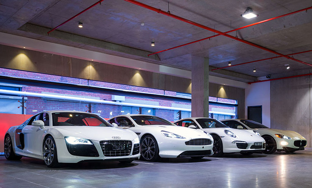Le monde de l 39 automobile alpha for Acheter garage pour louer